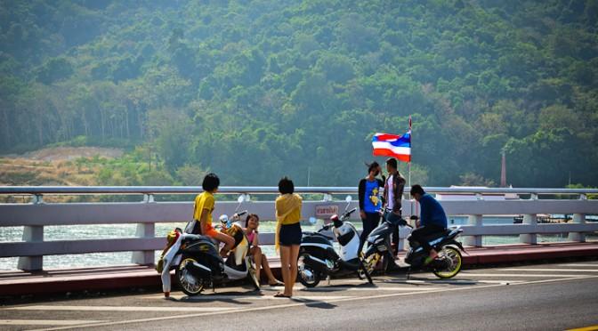 On the Paknam Laem Sing Bridge